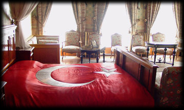 DOLMABAHCE PALACE ATATURK'S ROOM